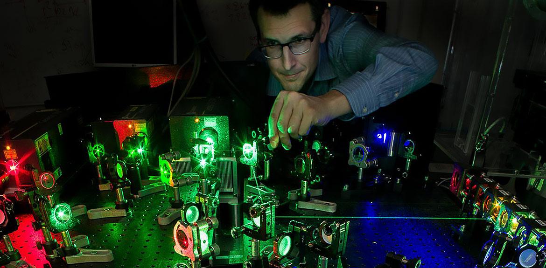 Johan Elf forskare i cell- och molekylärbiologi och studerar processer i bakterieceller